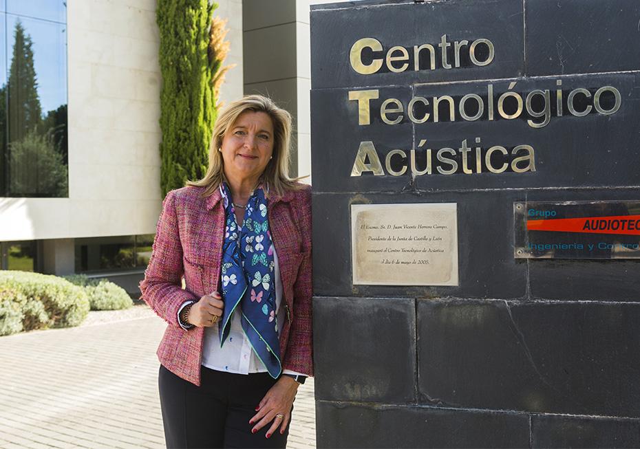Ana Espinel en el Centro Tecnológico de Audiotec en Valladolid - Foto: Jesús Umbría